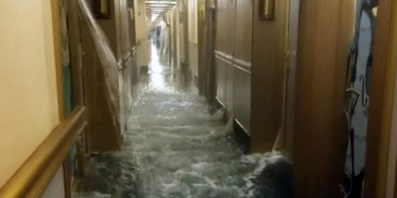 WATCH Flood Aboard A Cruise Ship Caused Complete Panic
