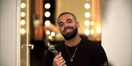 Drake Leaves Young Money Record Label